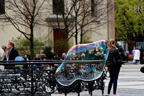 Giant Bubble